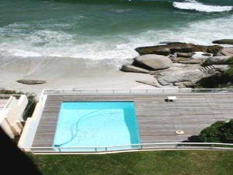 Best ocean view apartment in Clifton
