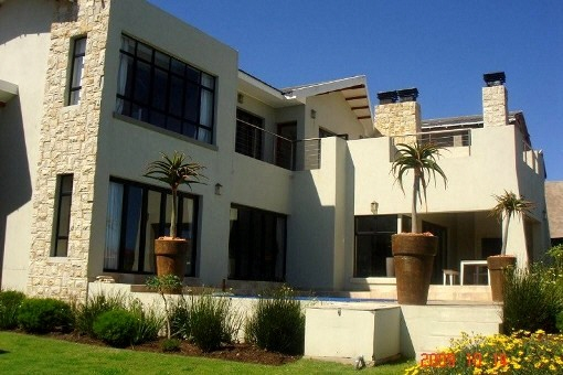 Furnished villa in Herolds Bay