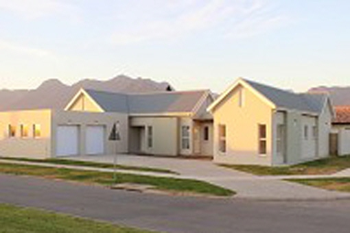 George modern farm style house of 4 bedrooms and for Farm style houses south africa