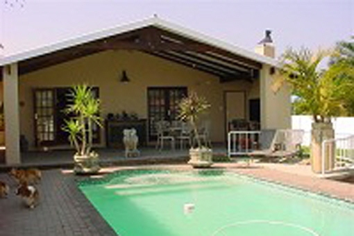 Huge Nice House knysna: huge family house property of 1055 m² with swimming pool