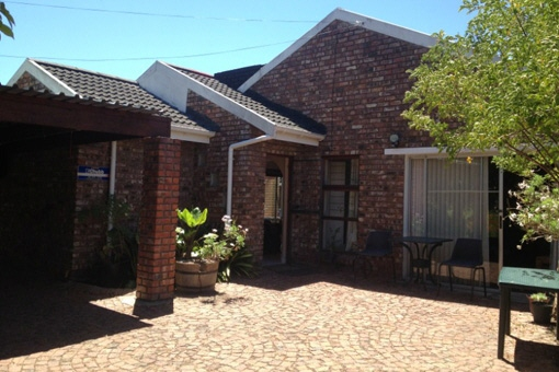 3 bedrooms house with bachelor flat in the suburb of Heather Park