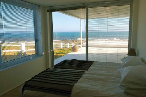 Bedroom with nice sea view